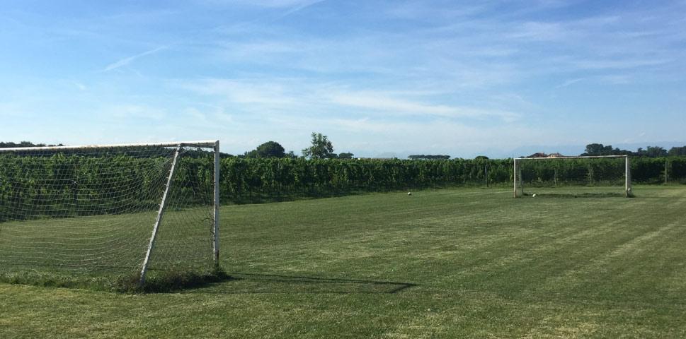 Casa-Vacanze-Girardi-Aquileia-e-Grado-prenota-le-tue-vacanze-campo-da-calcio